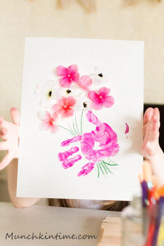 3 handprint gift ideas for mothers day kids handprint for Craft ideas for mom