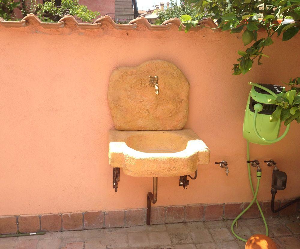 Lavello da giardino anterselva finitura pietre del borgo - Lavelli in pietra da giardino ...