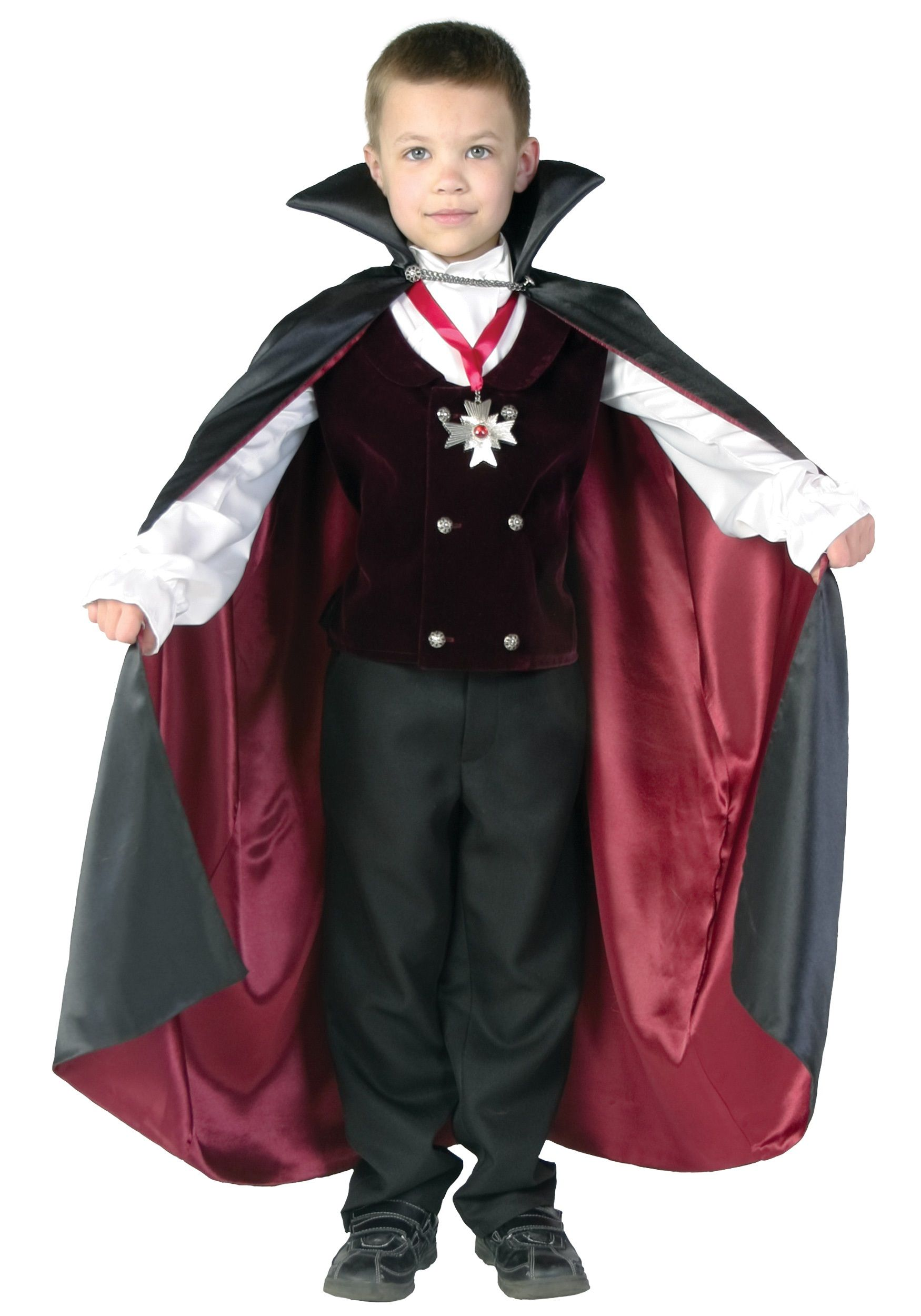 Easy DIY Vampire Costume Vampire costume diy, Vampire