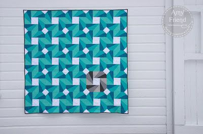 Amy Friend's amazing Spinning Wheel quilt (featured in American Quilter magazine!)