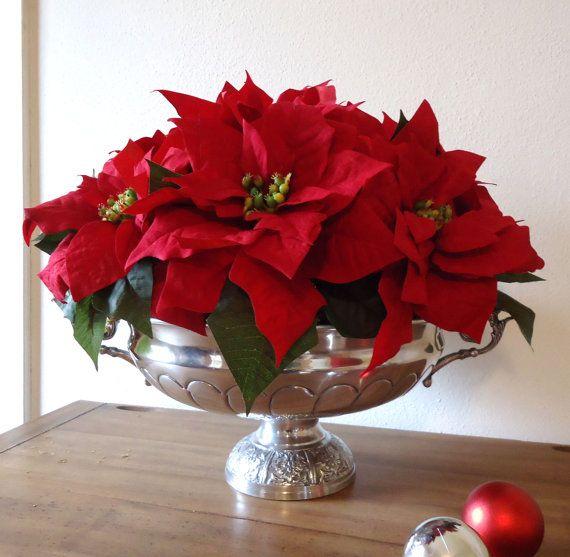 Who Doesn T Love Poinsettias At Christmas Christmas Flower Arrangements Poinsettia Centerpiece Christmas Arrangements
