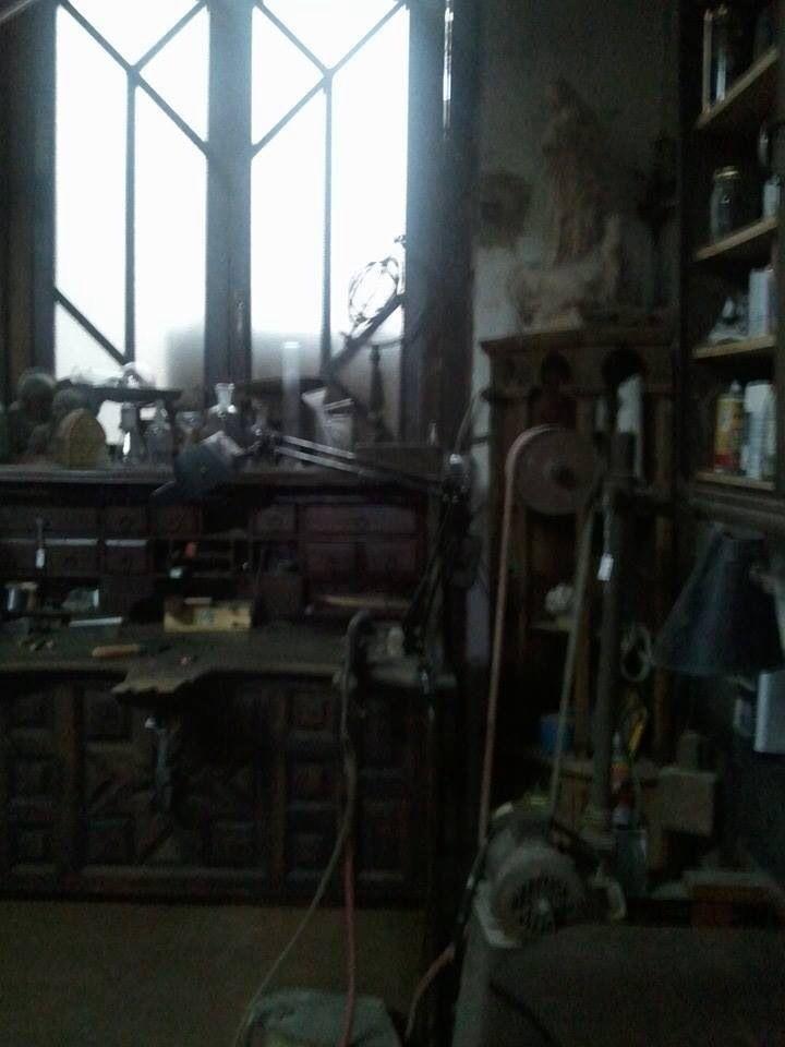 Casa-taller de José Luis March, un obrador artesanal de tradición medieval   #CaminArt #Valencia