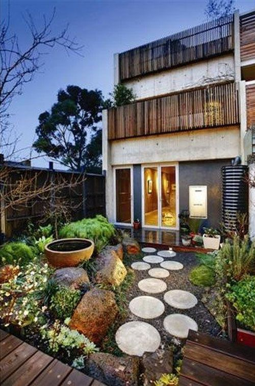 Gartenweg mit runden trittsteinen gr n garten garten ideen und garten terrasse - Gartenweg ideen ...