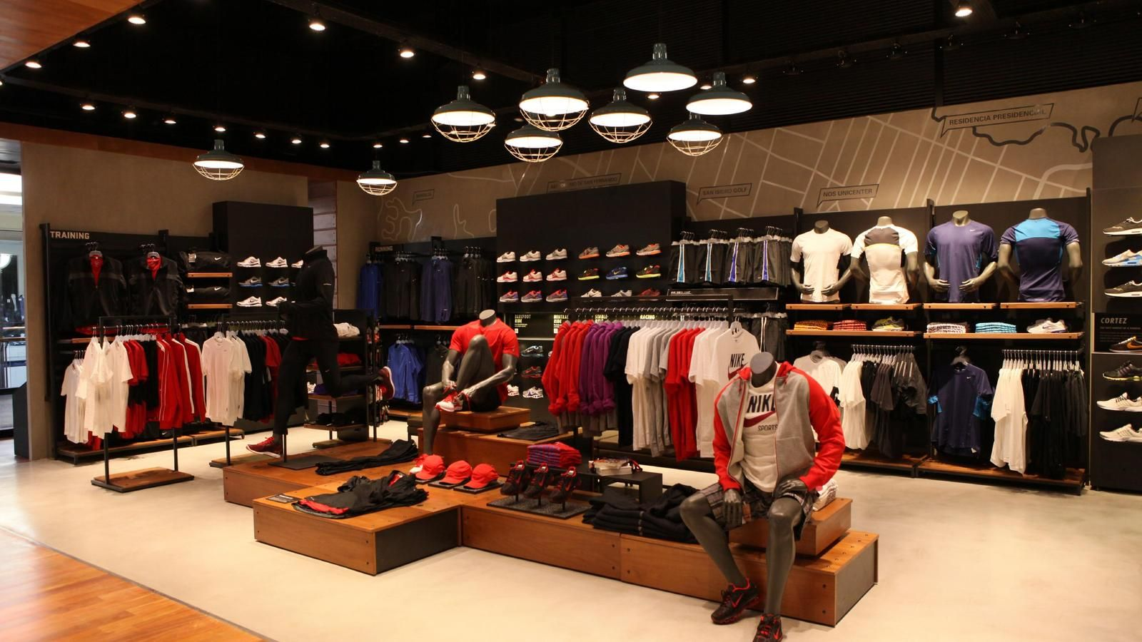 raíz Abreviar uvas  Nike store in Argentina earns gold LEED certification | Retail interior, Nike  store, Cool store