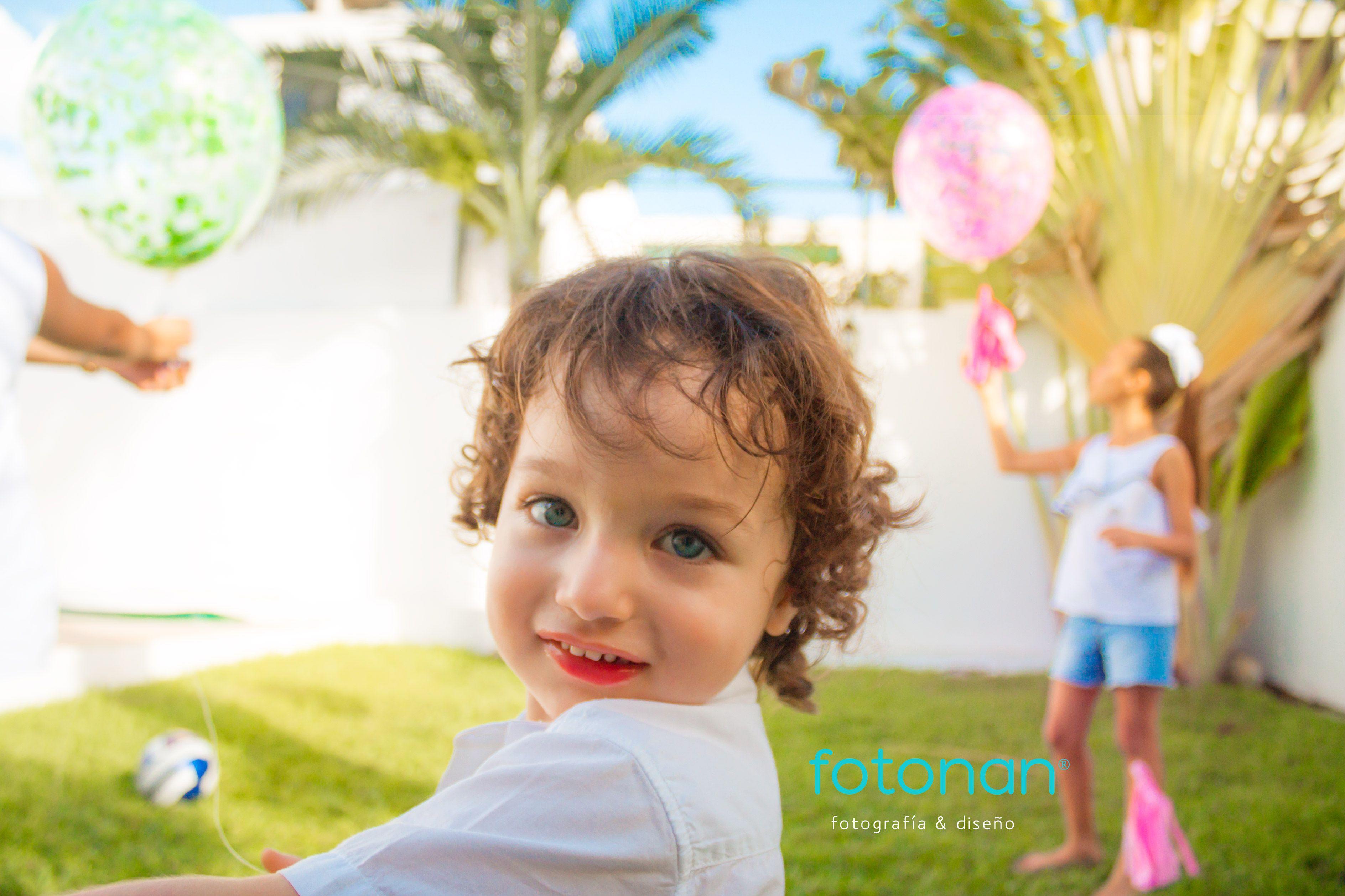 Lo mejor que le puedes dar a un niño son buenos recuerdos. #happychild #children #greatday #photoart #photolove #photolike #photoshoot #shotting #fotonanmerida #sesiondefotos #blueeyes #boy #son #photographylover #photography #fotogalería #smile #sesionesdefamilia #guapo #blueeyes