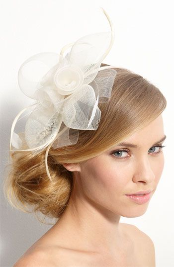 2ab34a6ee30 8 Awesome Alternatives to Traditional Wedding Veils Wedding Fascinators