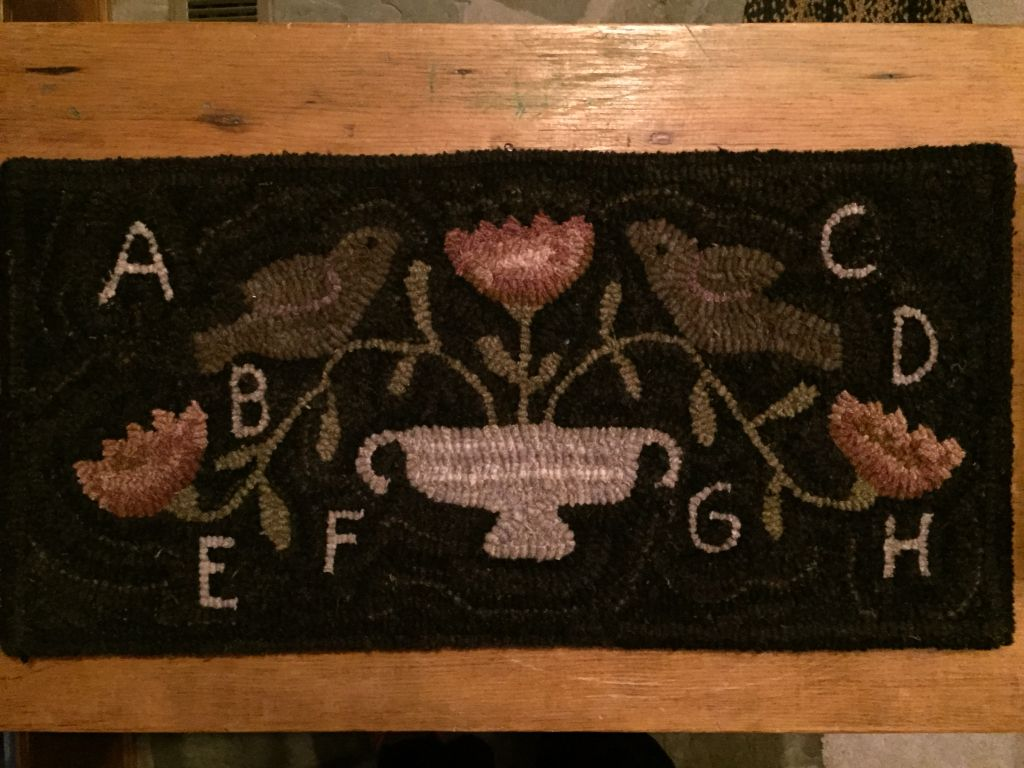 Hooked by myglorystars pattern by country stitches rugs i have