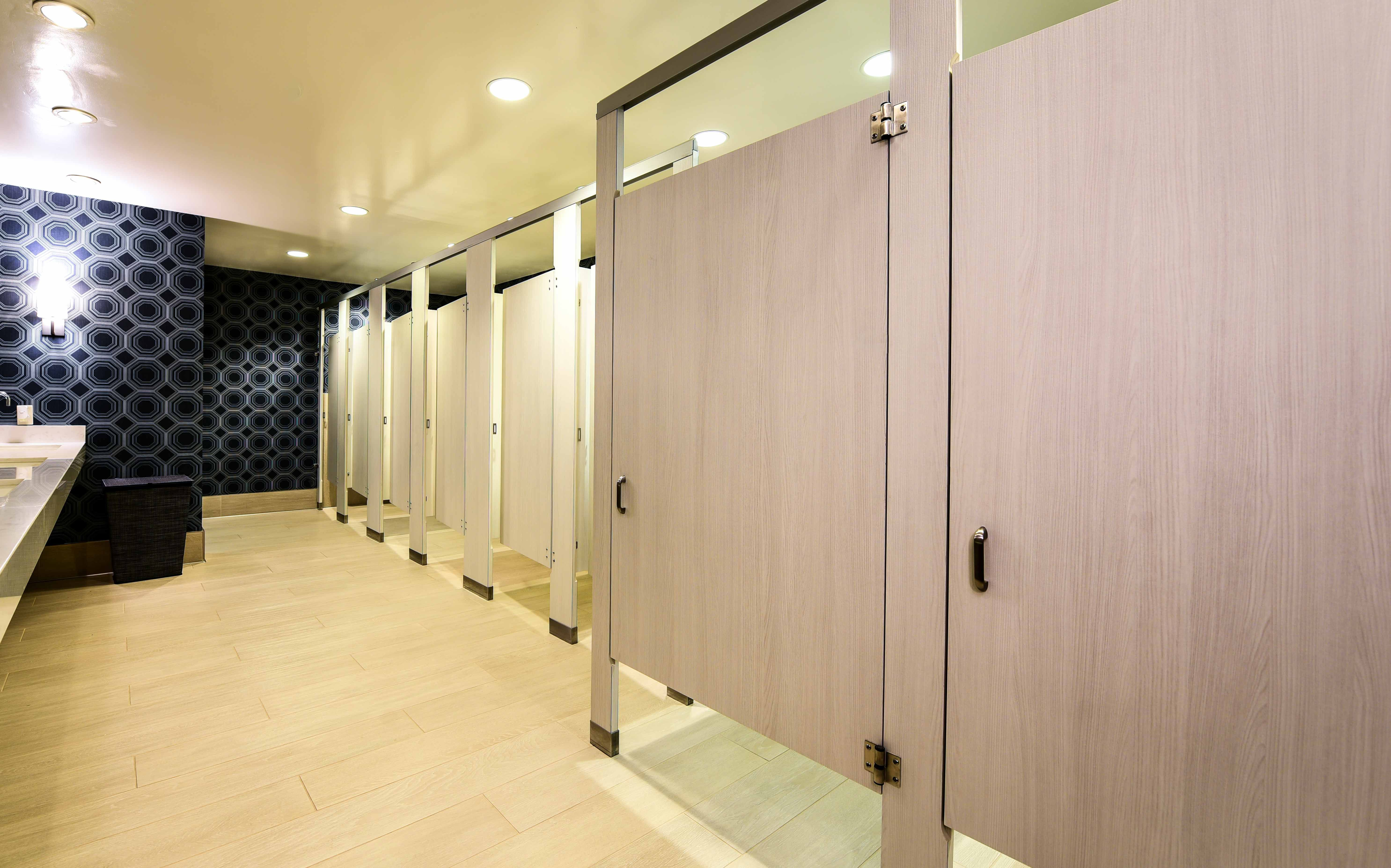 Ironwood Manufacturing Laminate Toilet Partitions With Zero Sightline Doors Add Privacy For A Public C Amazing Bathrooms Bathroom Accessories Bathroom Flooring