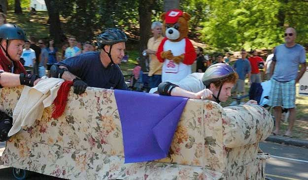 Capitol City Couch Race | Experience Eugene