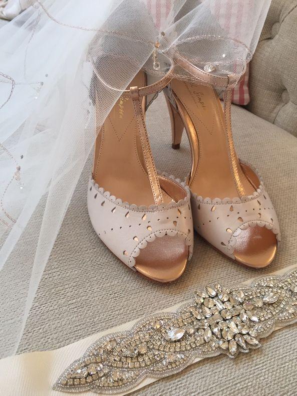 New Rachel Simpson Monique Old Porcelain Silver Leather Wedding Heels Size 7.5//8