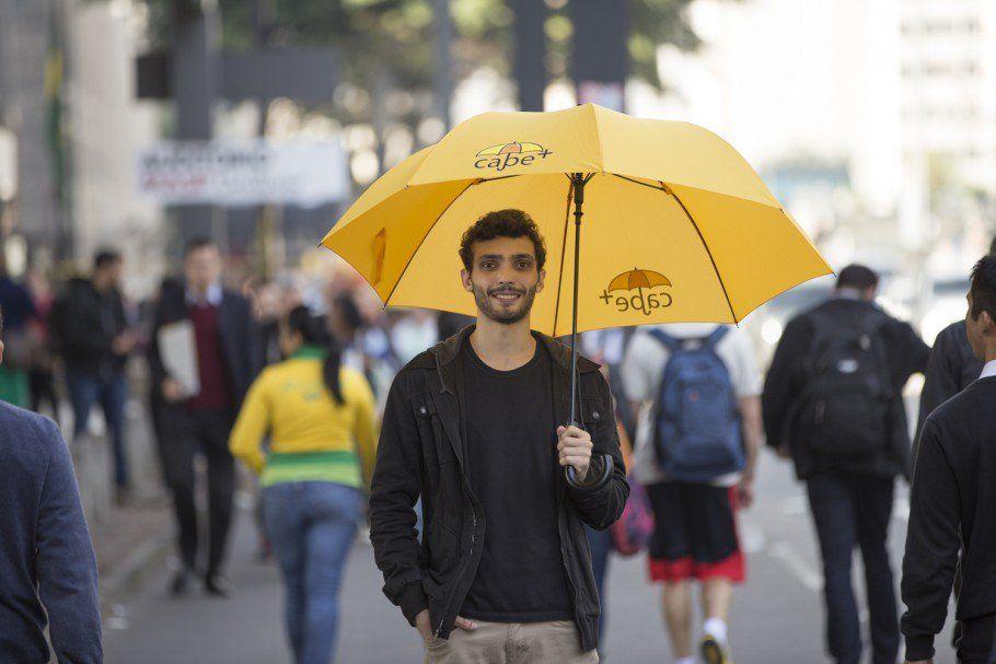 As chuvas estão chegando e o Cabe  Guarda-chuva precisa de você!