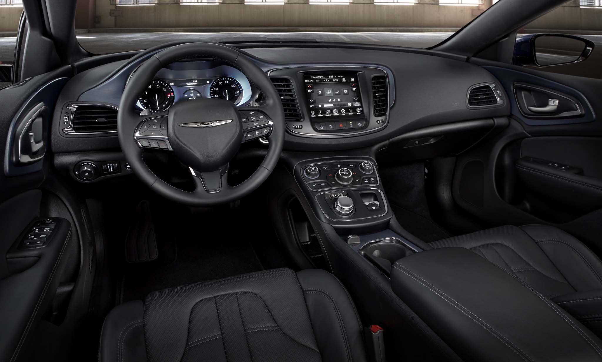 2021 Chrysler 200 Convertible Srt Photos