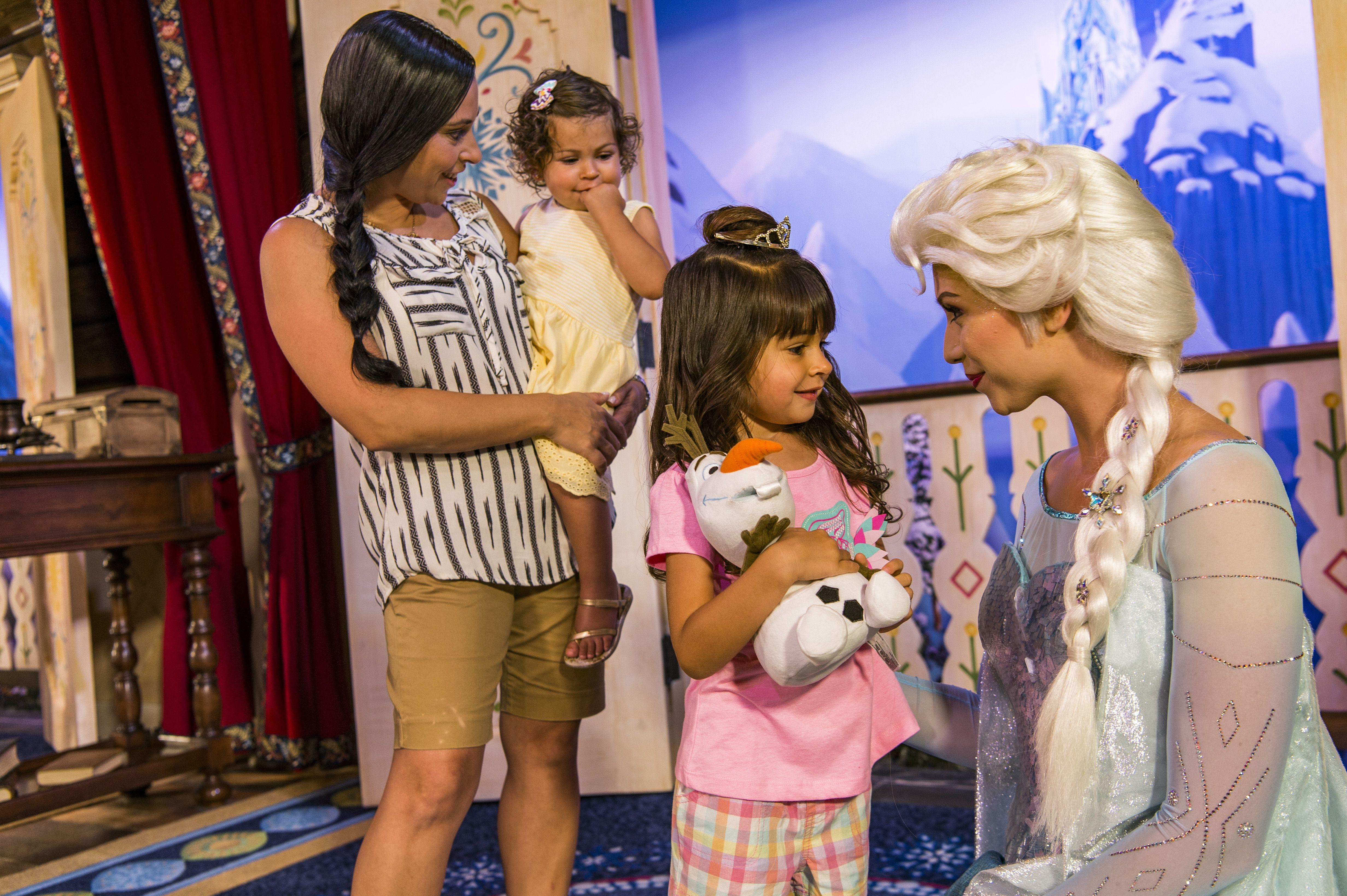 Meet Elsa at Epcot