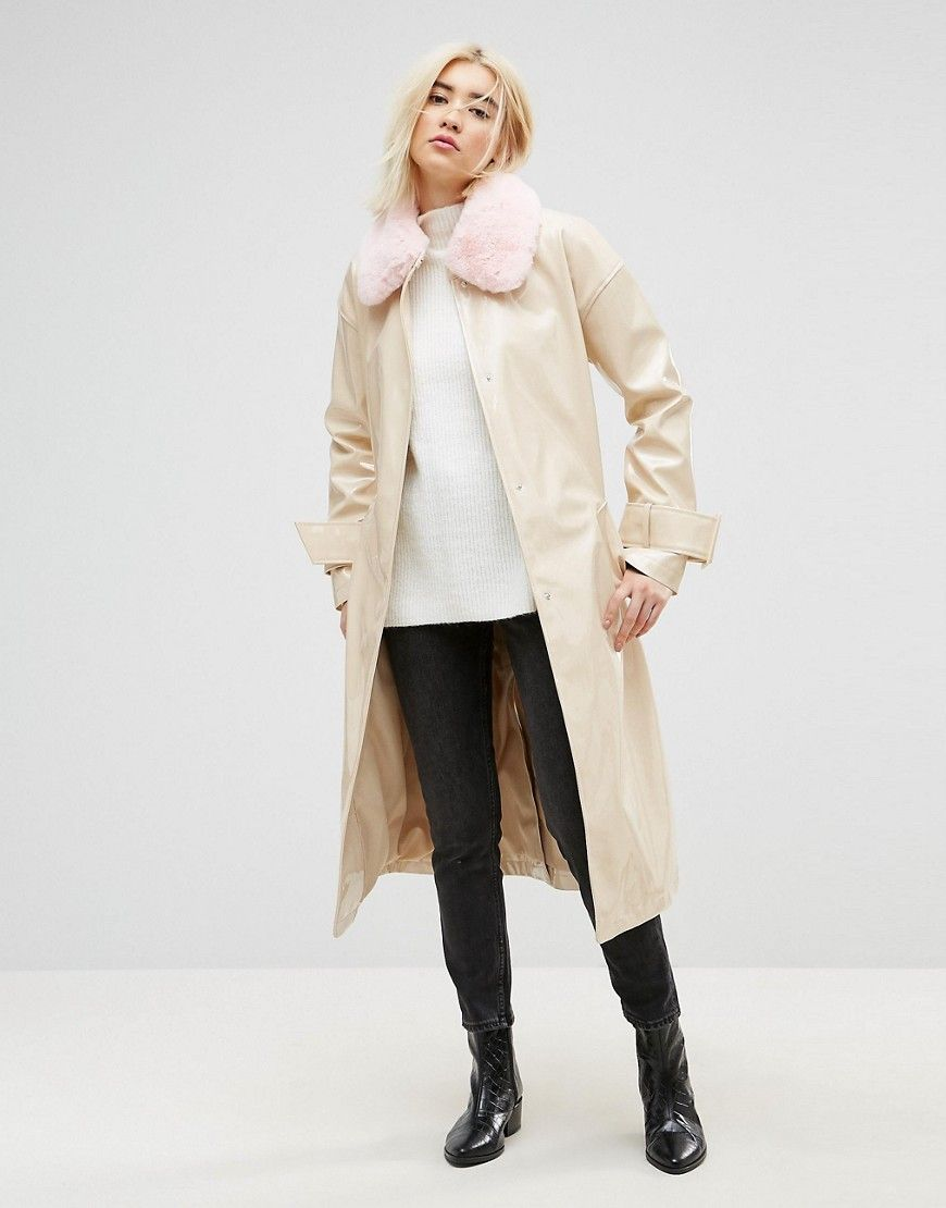 Vinyl Trench with Faux Fur Collar | Products | Mäntel frauen