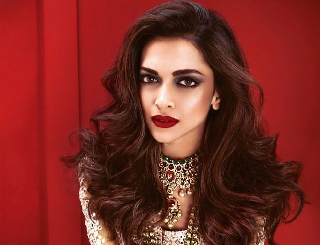 Bollywood Actresses Who Nailed The Smokey Eye Makeup Look ...