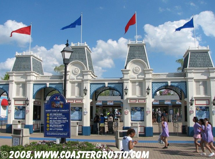 Park Entrance Six Flags Great America Pictures Great America Planet Coaster Places In Chicago