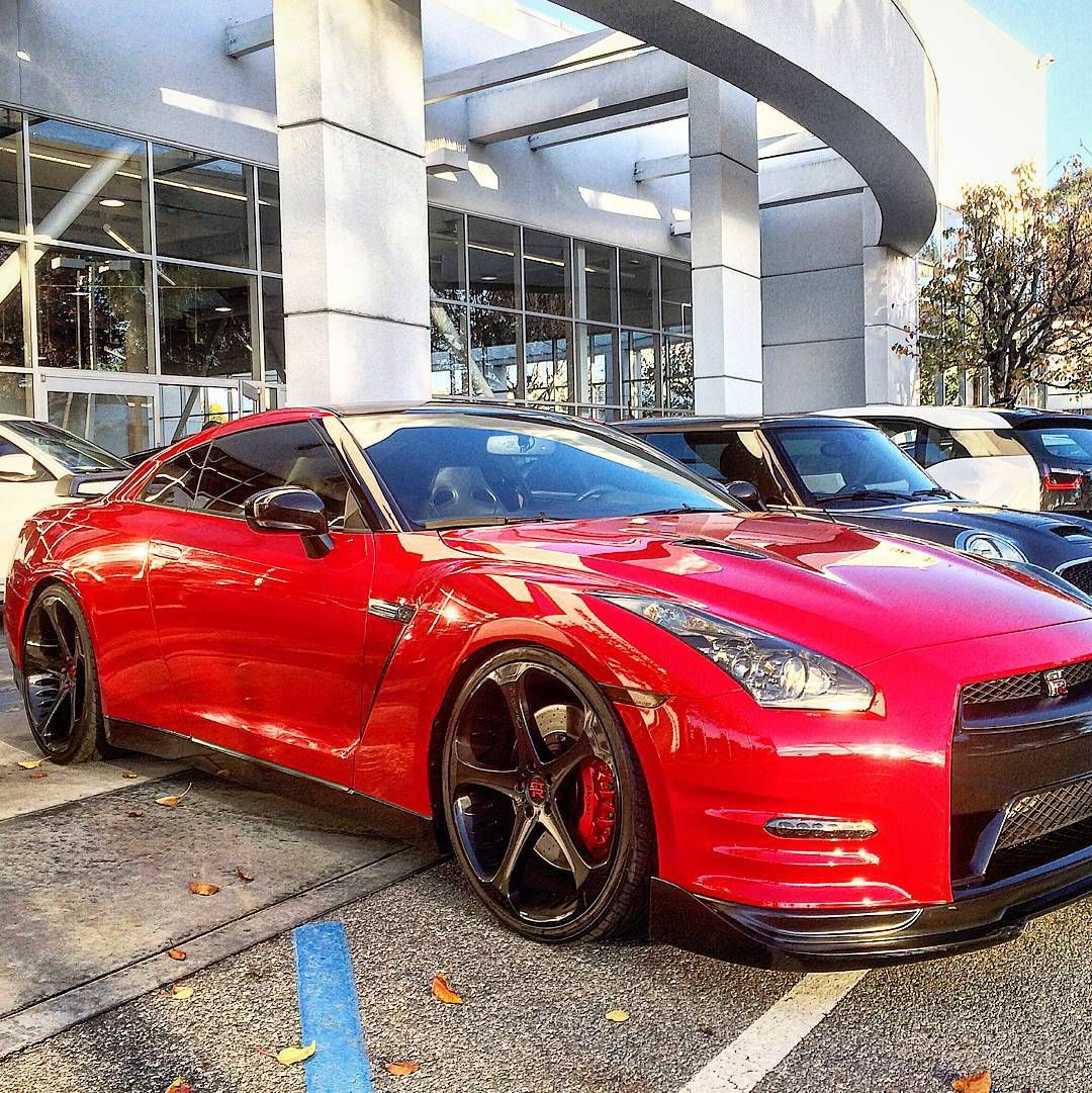 Repost via Instagram: Red Hot GTR  Follow @wolf_millionaire for our GUIDES To GROW Followers & Make MONEY @wolf_millionaire  CLICK LINK IN BIO   Visit http://www.WolfMillionaire.com  Follow @wolf_millionaire #wolfmillionaire Photo by @thrillcars by gtr_automotive
