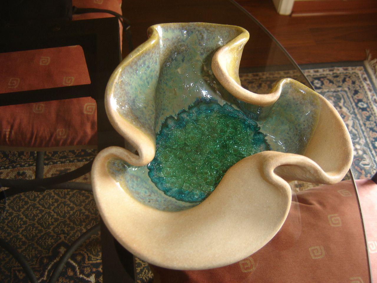 Fuente ceramica en gres esmaltada y con fondo de vidrio for Pasta para ceramica gres