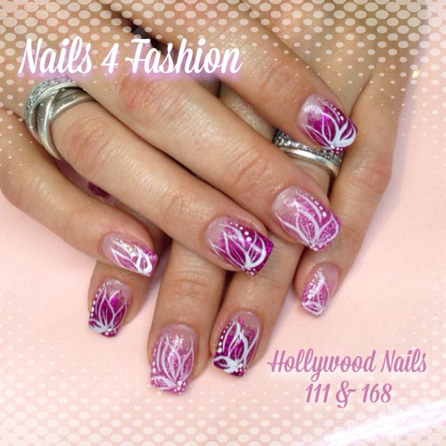 Hollywood Nails 111 & 168 fading Flower art @ Nails 4 Fashion