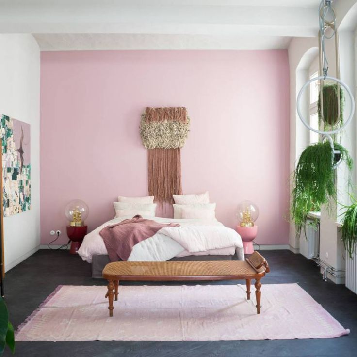 51+ Romantic Boho Chic Bedroom Ideas - pink accent wall ...