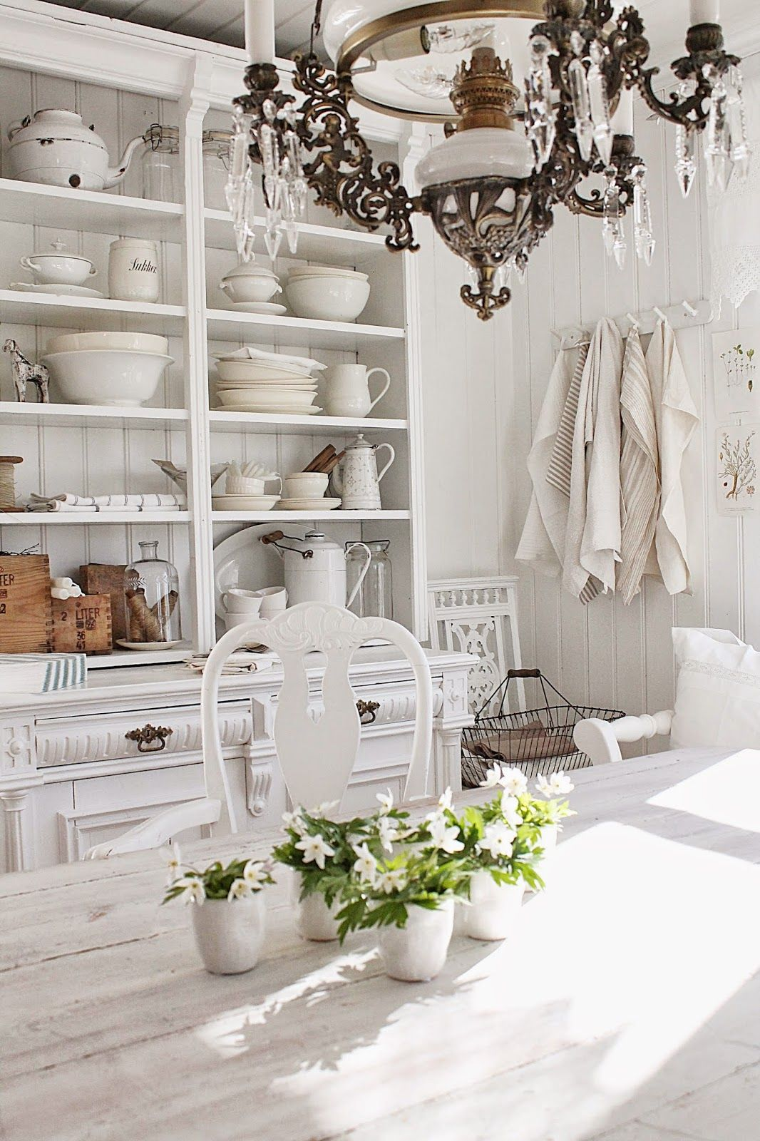 vibeke design interior design kitchens dining room pinterest franz sischer schick. Black Bedroom Furniture Sets. Home Design Ideas