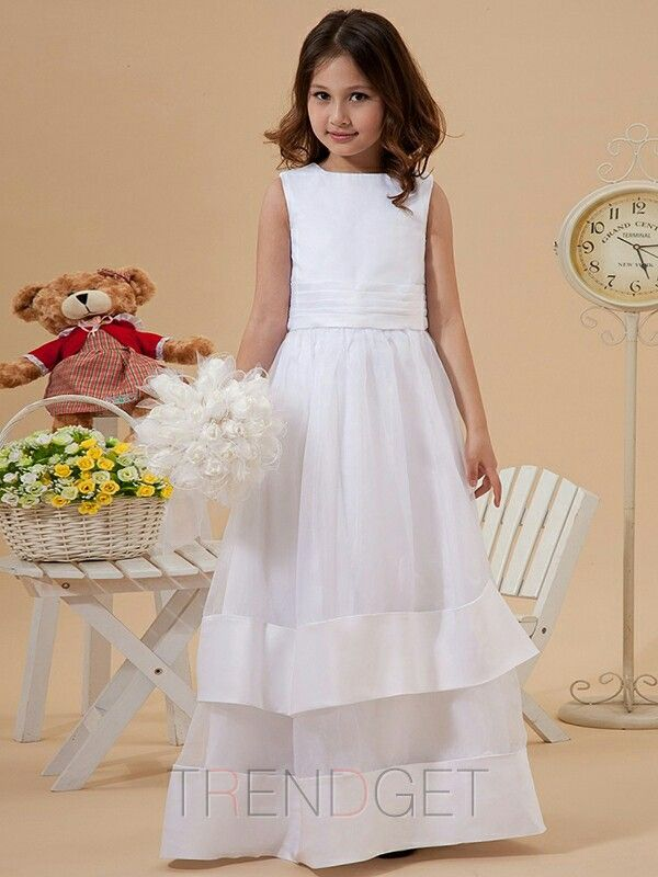 Pretty tiered-skirt dress