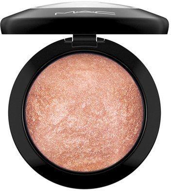 Beauty I make up I beauty products I MAC I make up musthave I  luxurious, slow-baked, velvety soft domed face powder I bronze shiny powder I  M·A·C 'Mineralize' Skinfinish