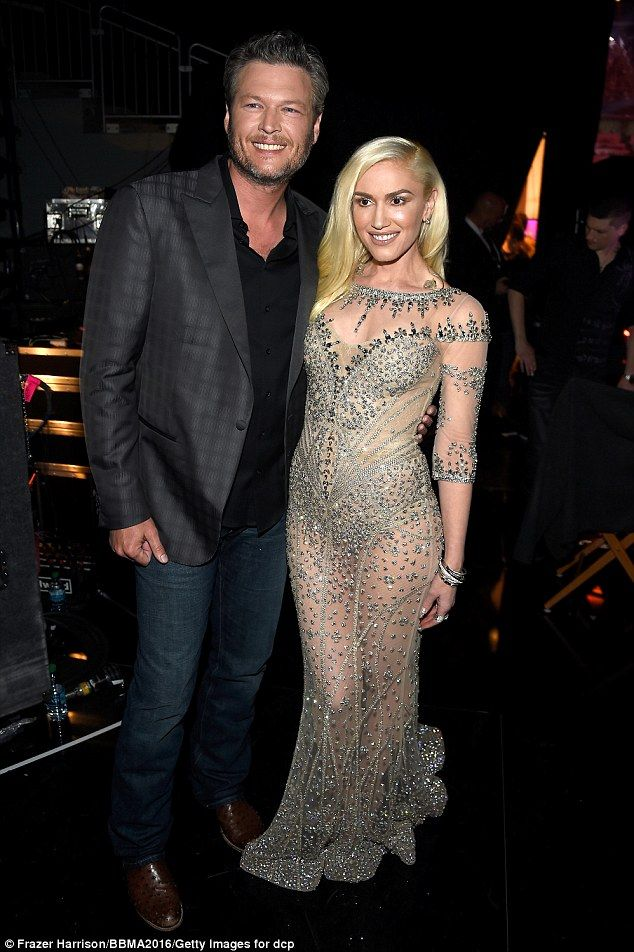 Gwen Stefani was on double duty on 'The Voice', as the