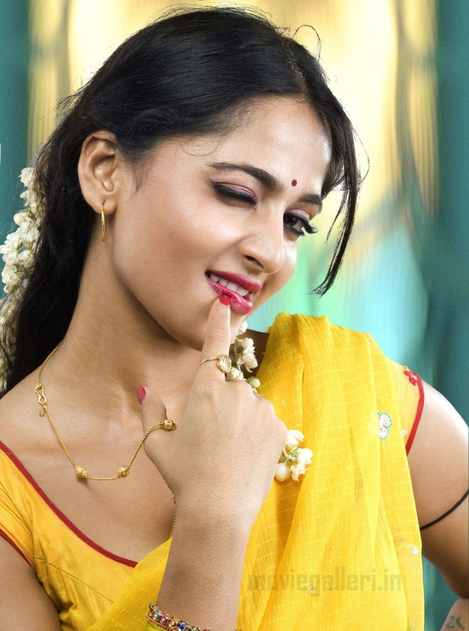 Download South Indian Hot Wallpaper Gallery