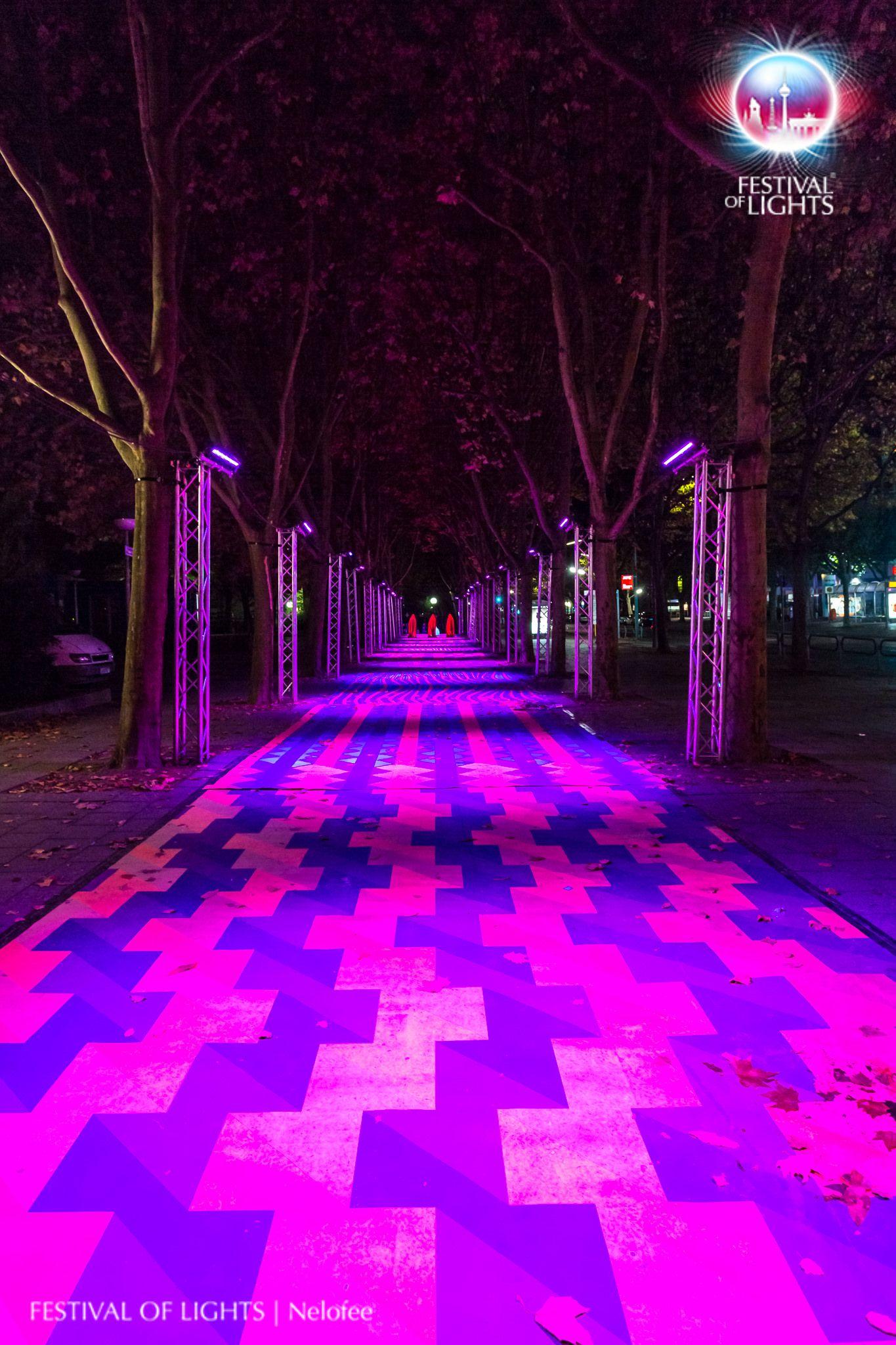 https://flic.kr/p/MDkLtE | Märkisches Viertel @ FESTIVAL OF LIGHTS 2016 | Märkisches Viertel during the Festival of Lights 2016. Different light installations and a visit of the Guardians of Time by Manfred Kielnhofer  #Berlin #FestivalofLights #FoL #GuardiansofTime #Illumination #KiezimLicht #Lichtkunst #Lighting #Lightseeing #Manfred Kielnhofer #Nelofee #Oktober #Sight #Sightseeing #Skulptur #Stadtviertel #VisitBerlin #Zander&Partner #märkischesviertel #Wächter der Zeit #GESOBAUAG