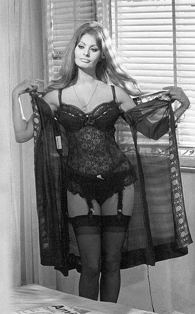 Sophia Loren. | Sophia...