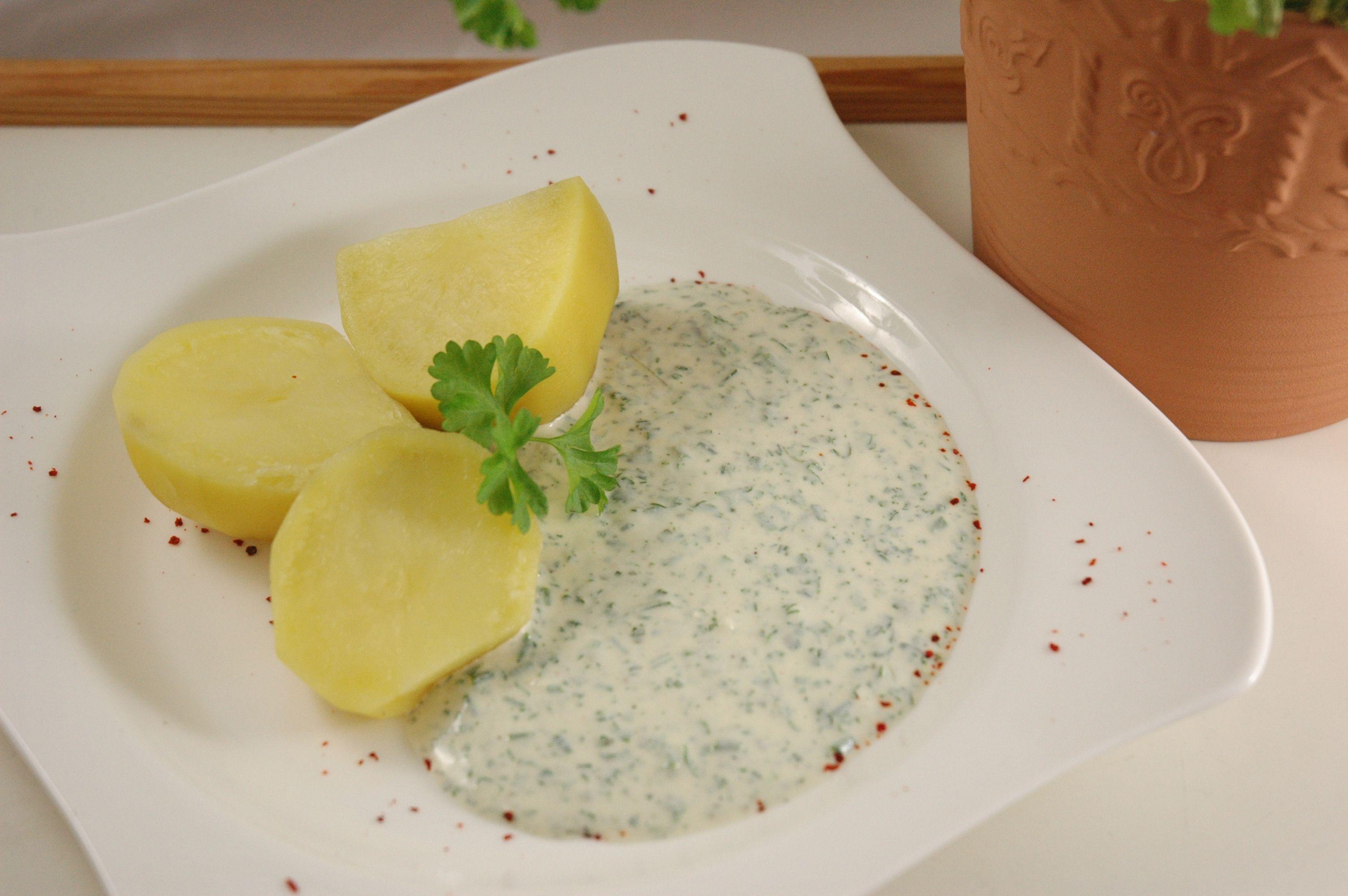 Hessische 7 Kräuterkur...schnell, gesund, vegan, frisch... http://www.umgekocht.de/2015/05/vegane-gruene-sauce-hessisches-leibgericht/