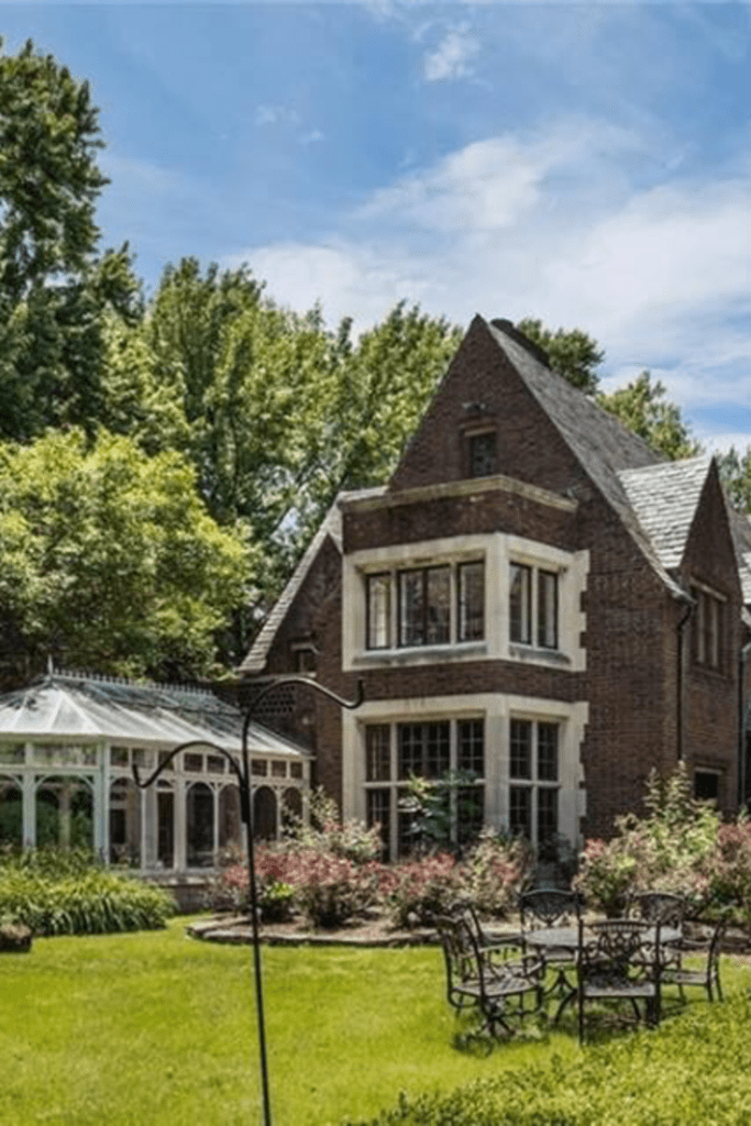 1927 mansion for sale in grosse pointe farms michigan old houses rh pinterest com