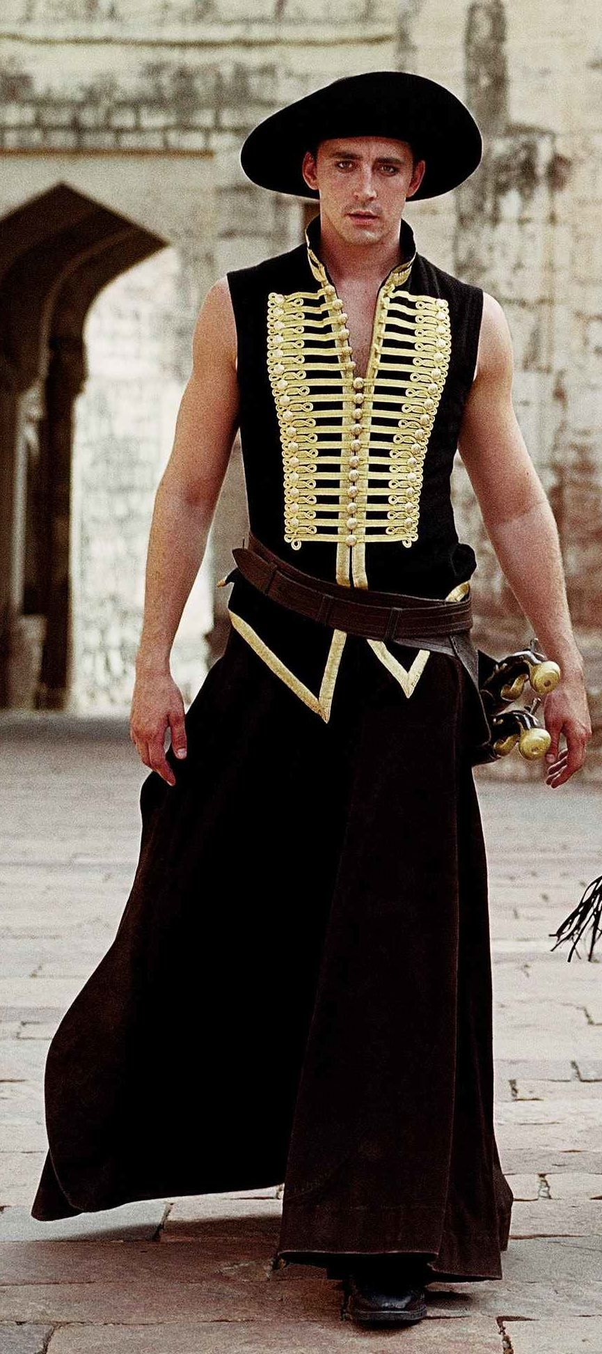 The Black Bandit (Lee Pace) from The Fall (2006). Costumes ...