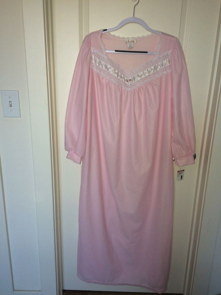 788407f1c476d ISABELLA Solid Pink Soft Lightweight Flannel Nightgown Satin Lace Accents  New! M #Isabella #Gowns #Everyday