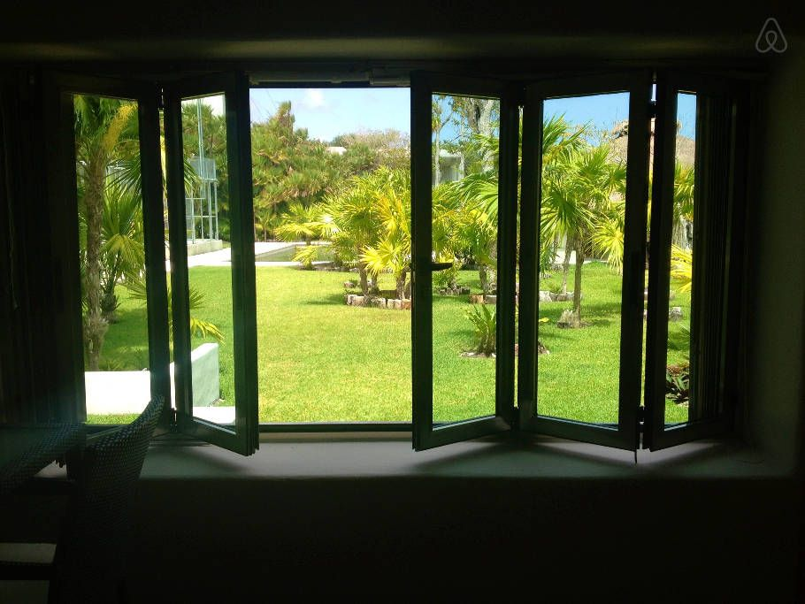 Échale un vistazo a este increíble alojamiento de Airbnb: TULUM: Beautiful home in the lagoon en Tulum