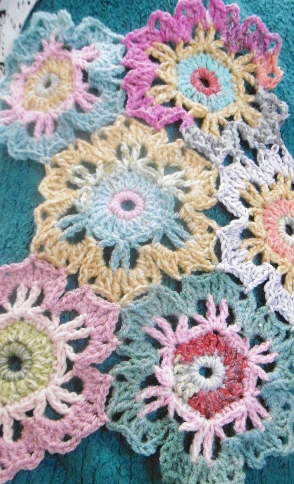 A blog about crochet, colour with lots of free patterns | 4 neck ...