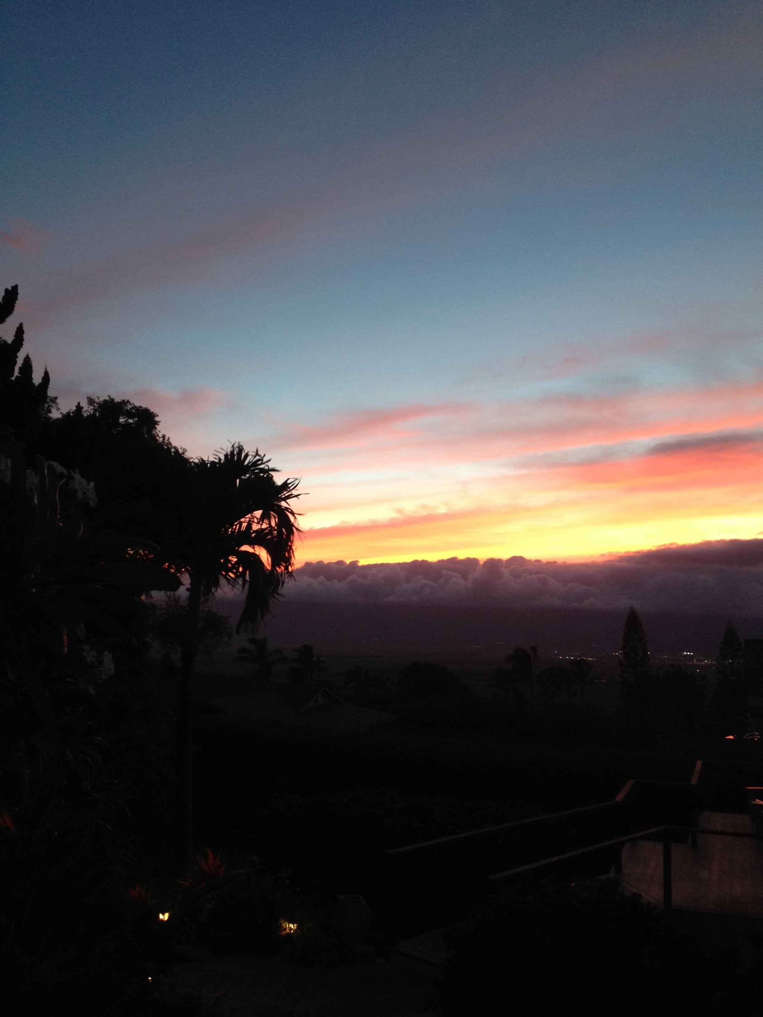 Pukalani sunset (With images) Heaven on earth, Maui