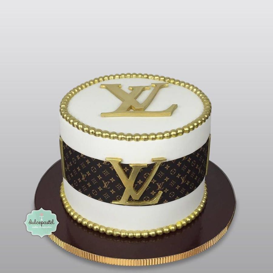 Torta Louis Vuitton Cake In 2020 Louis Vuitton Cake Gucci Cake