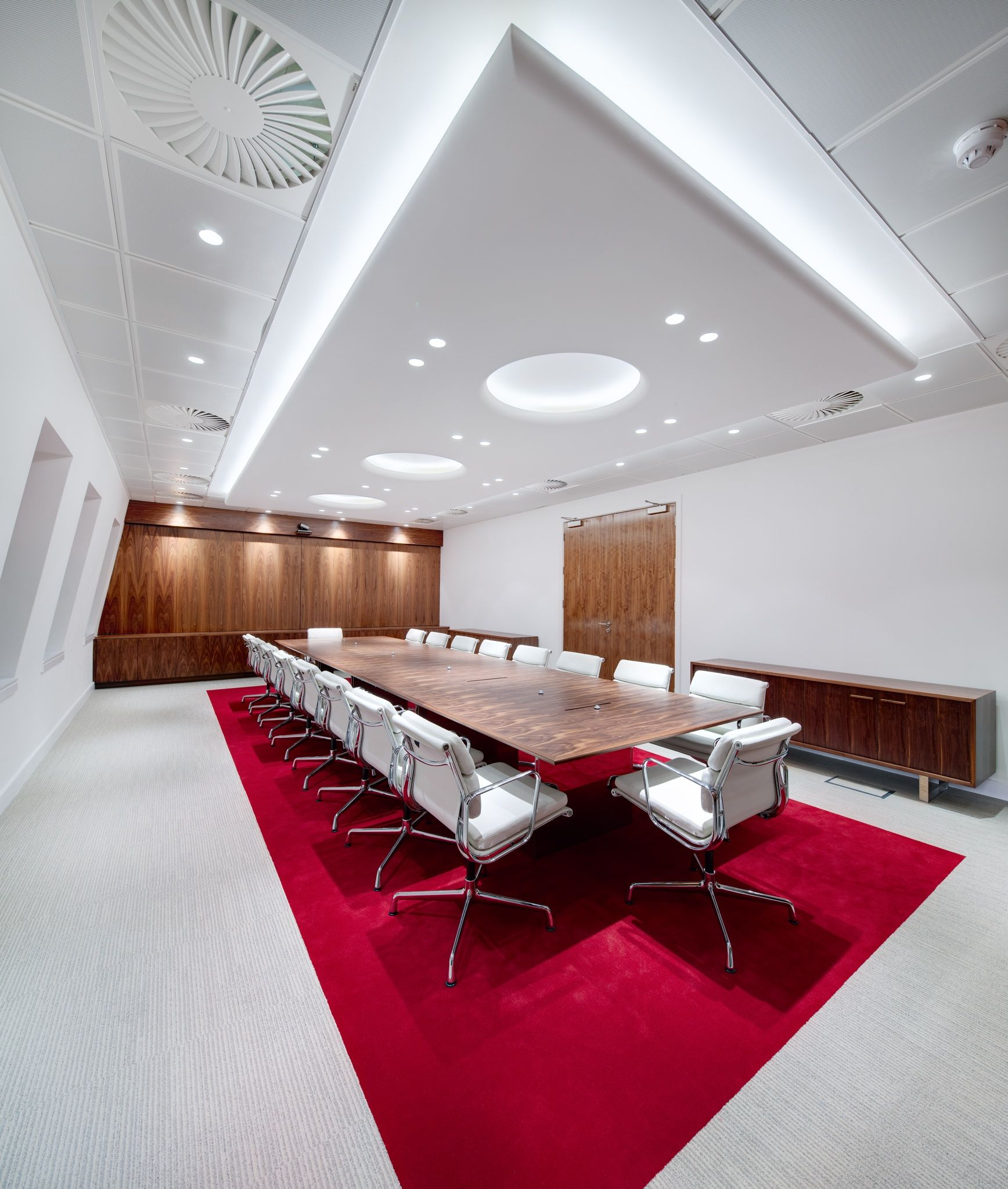 Office Fit Out For Dana Petroleum In Aberdeen By Www Jamstudio Uk Com Meeting Room Design Modern Office Design Conference Room Design