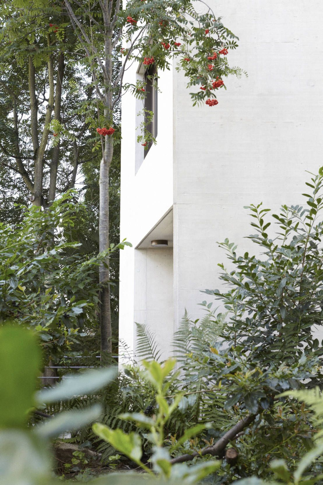 Das Schweizer Architekturbüro Oliver Brandenberger Architekten BSA BSI plante und baute in Basel den Neubau eines Mehrfamilienhauses mit Beton.