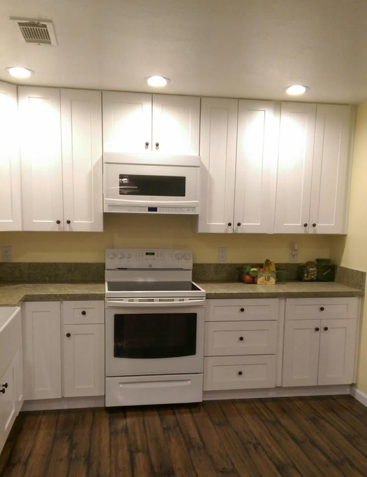 Fremont Ca Kitchen Remodel White Shaker Cabinets Green Granite With A Leather Finish Liances Dark Laminate Floors