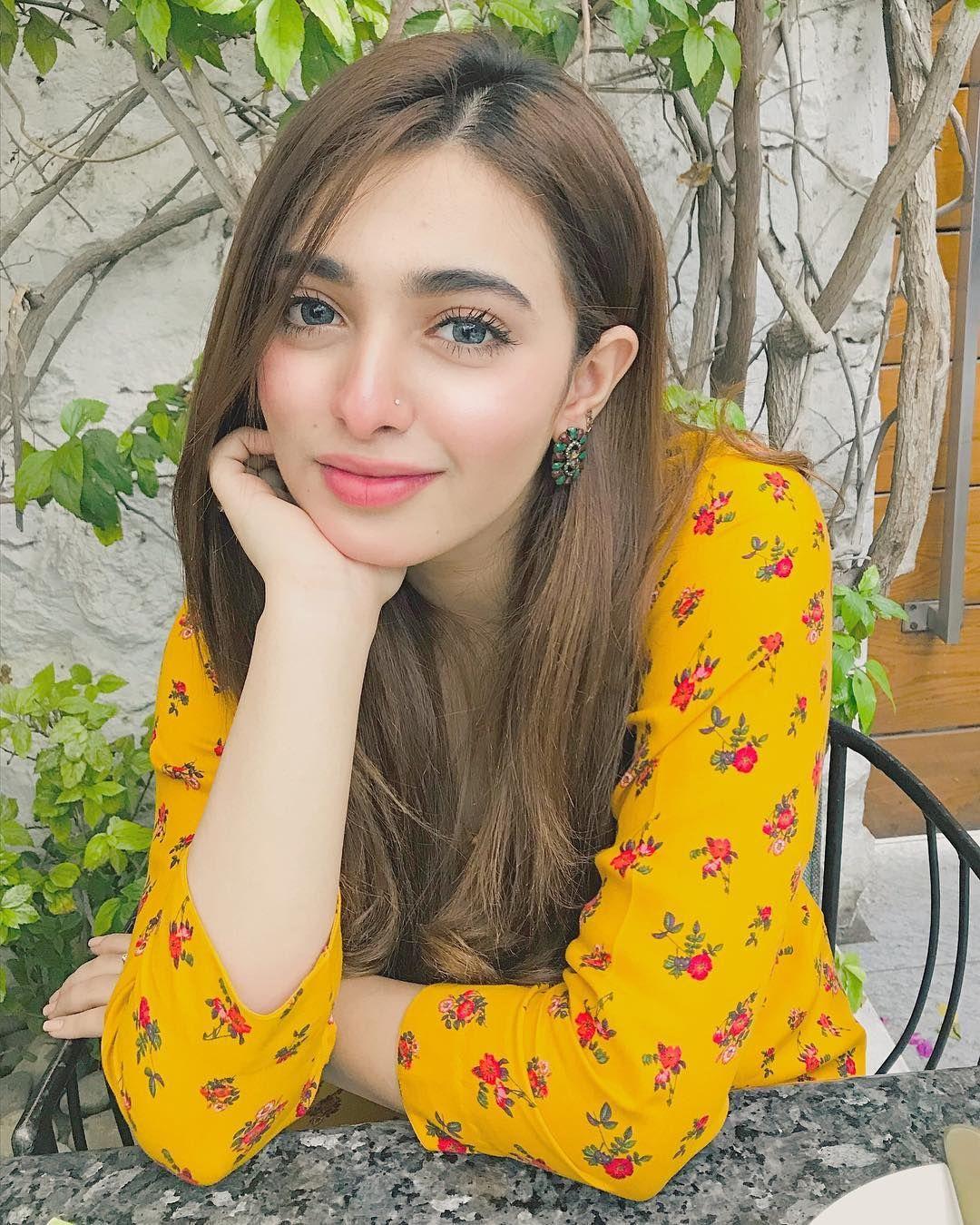 Hot Photo Gallery 2015: Beautiful Pakistani Girls HD