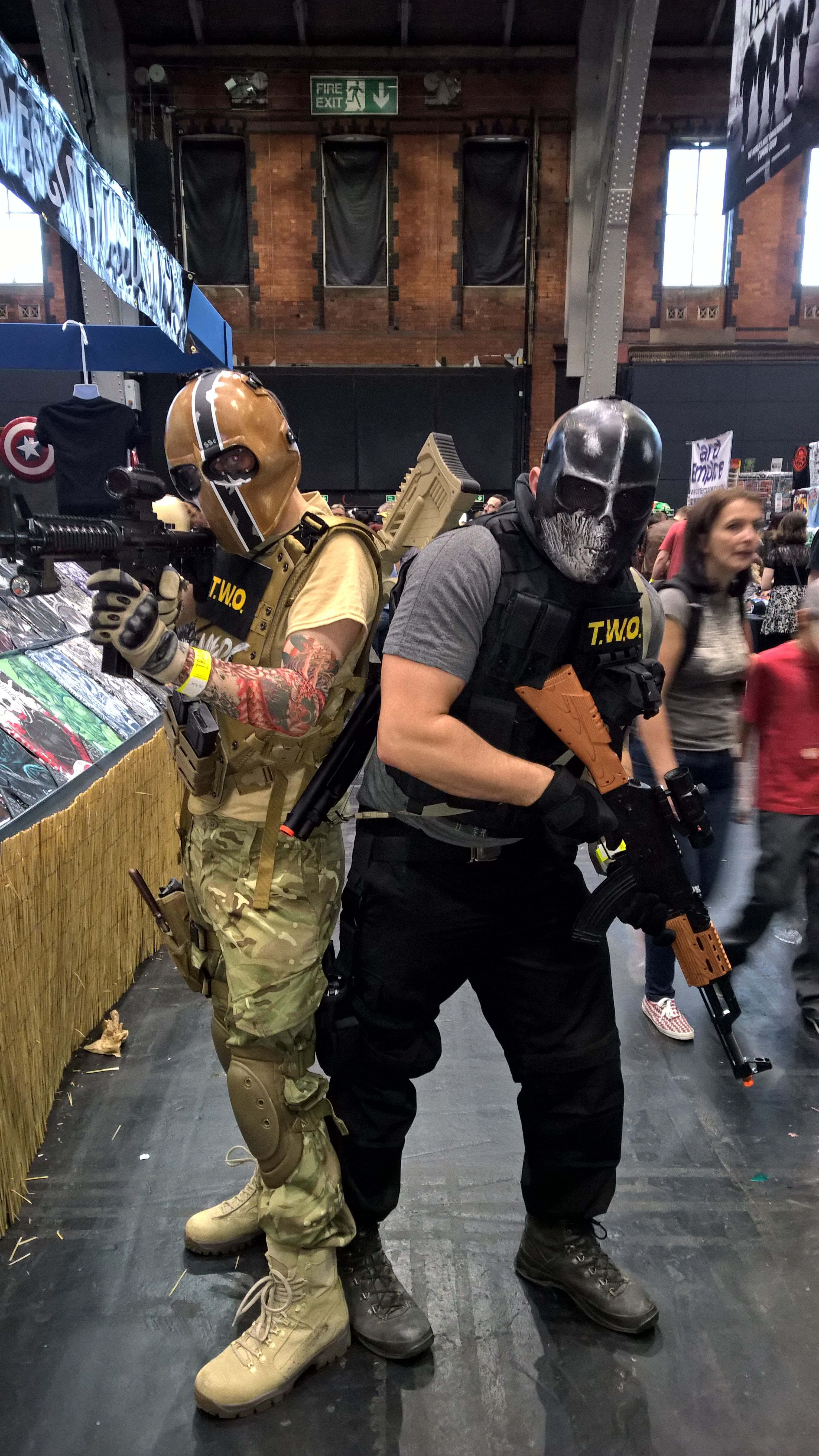 Army Of Two Cosplay At Mcm Comic Con Manchester 2015 Armyoftwo