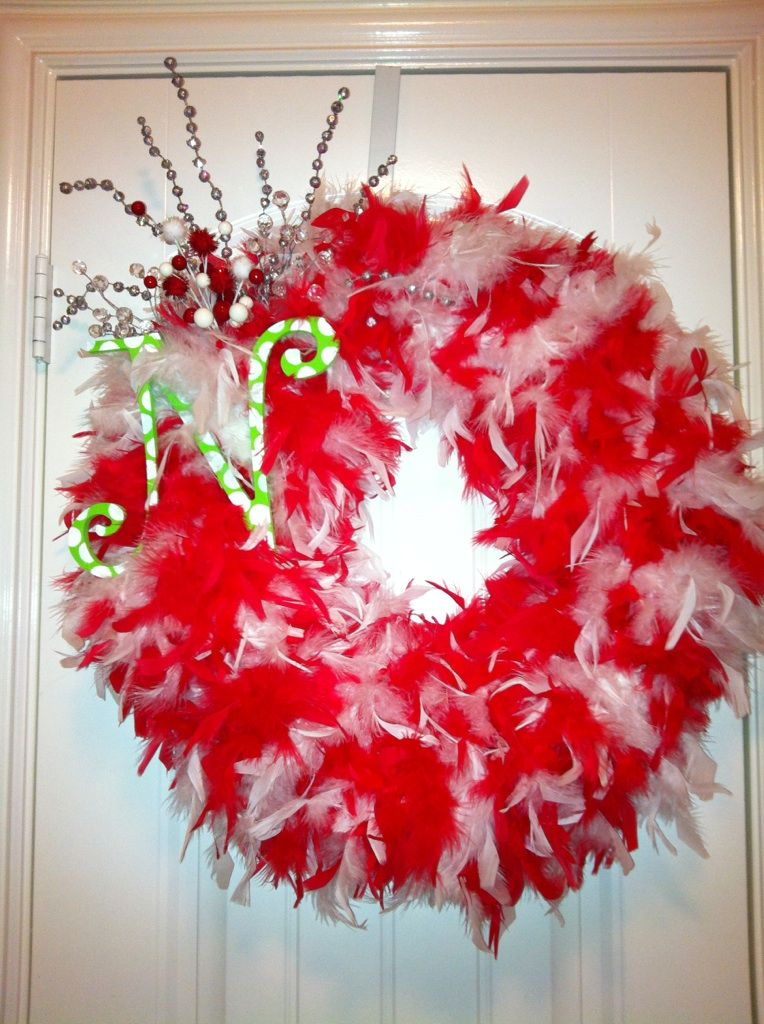 Christmas How To Make A Feather Boa Wreath Step By Step Christmas Wreath Craft Feather Crafts Christmas Crafts