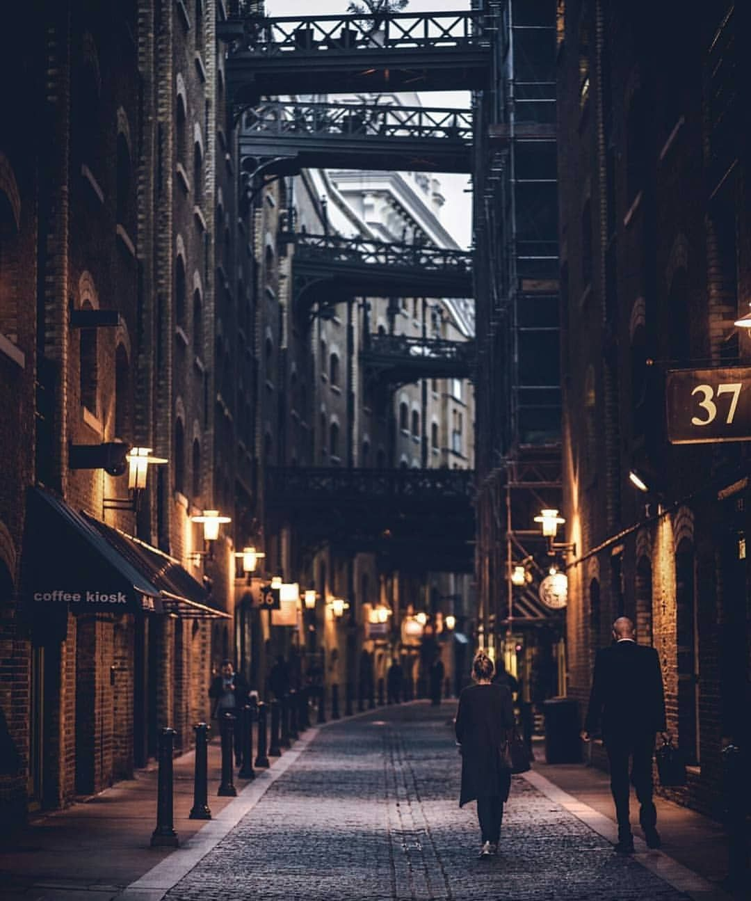 A Wonderful Moody Picture Of Shad Thames Do You Like It Pictur City Aesthetic Urban Photography City Photography