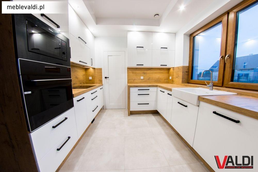 Znalezione Obrazy Dla Zapytania Fronty Dab Lancelot I Czarne Uchwyty Kitchen Kitchen Cabinets Decor