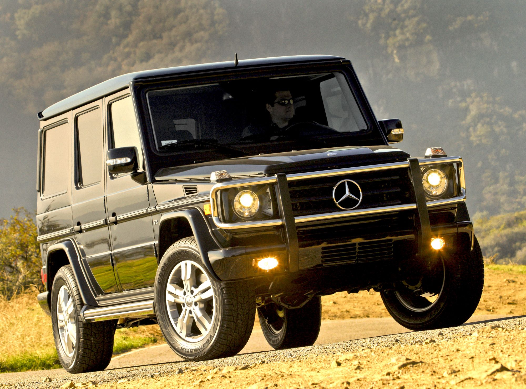 Image gallery 2011 mercedes g550 for Mercedes benz g550 suv used