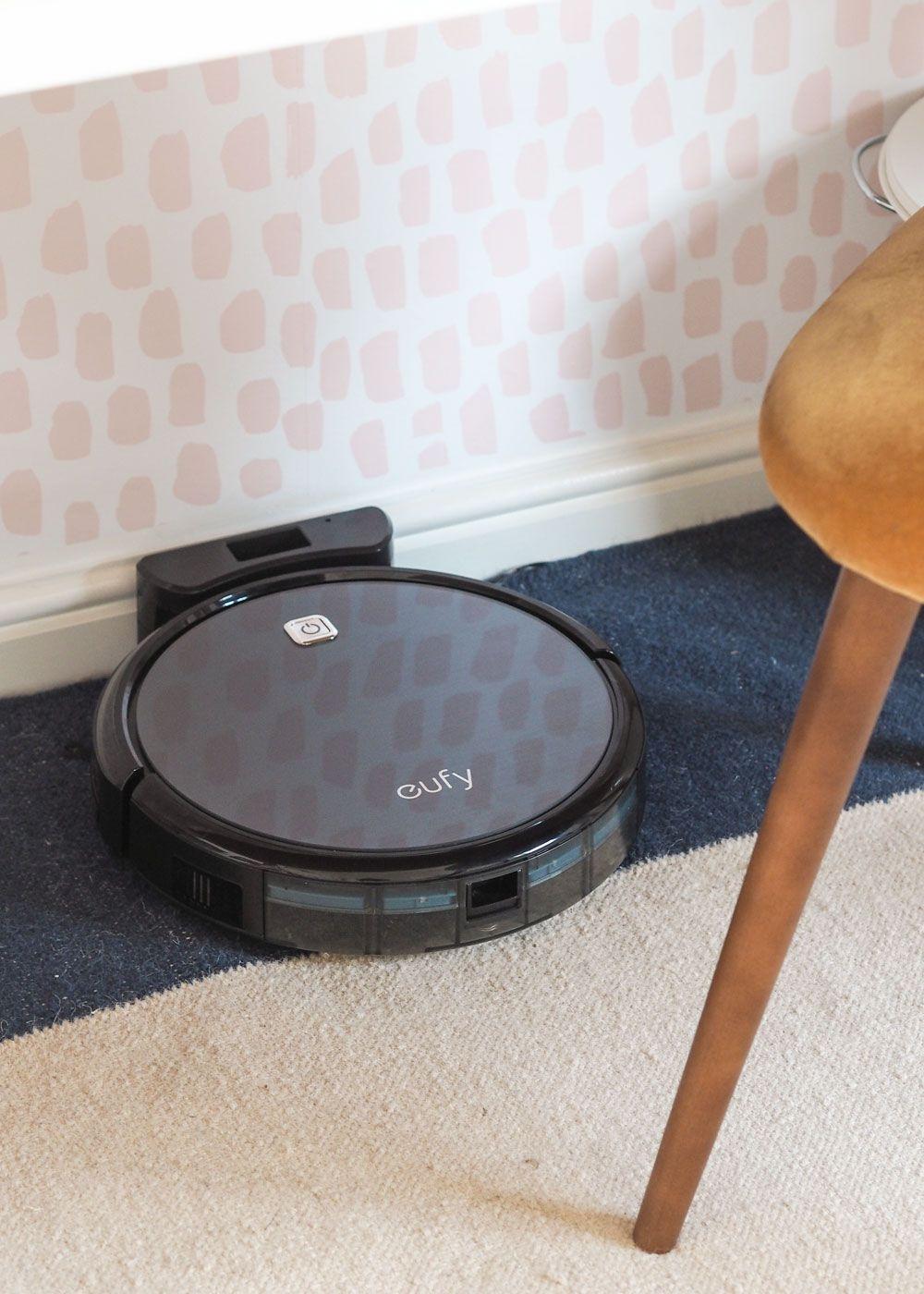 Eufy RoboVac 11 Vacuum Review | Home Cleaning Hacks | Vacuum reviews