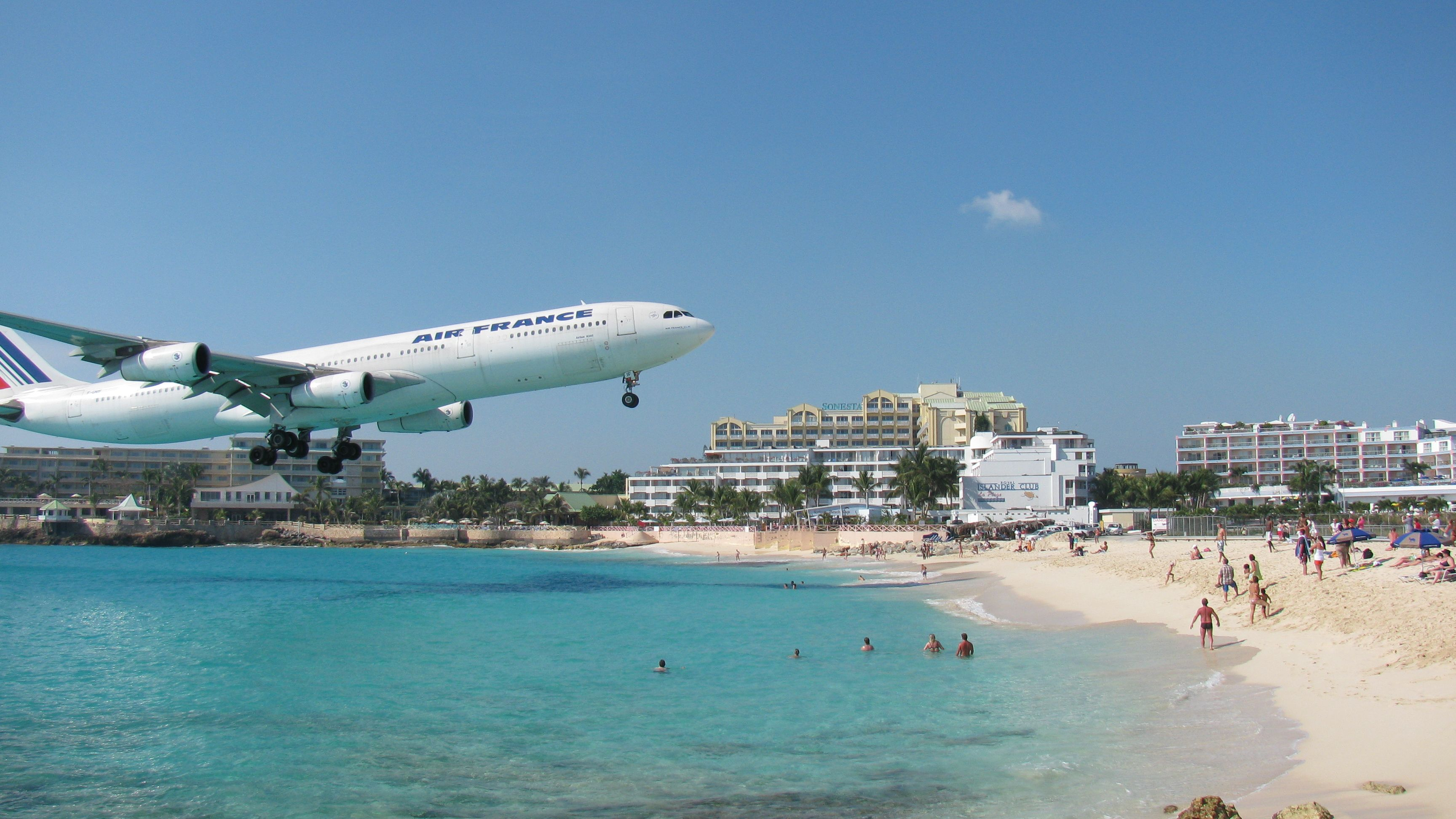 St Mar Airport How Cool Would It Be To On That Beach When A